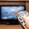 Hvordan reducerer jeg udgifterne til min tv-pakke?